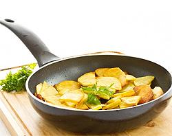 Жареная картошка на сковороде (фото)